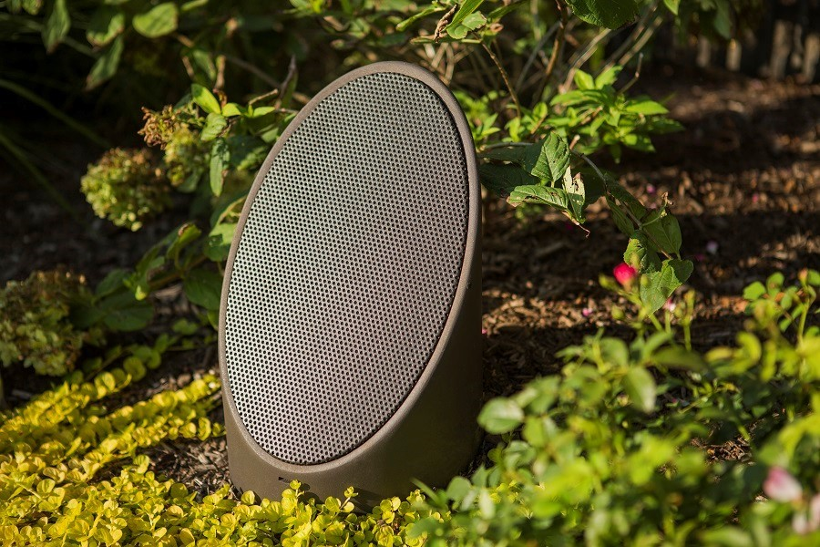 experience-outdoor-entertainment-with-coastal-source-landscape-speakers